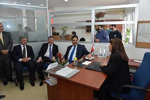 Muhtarlığını Mezengül Şimşek'in yürüttüğü yeni muhtarlık binasının açılışı, Üsküdar Kaymakamı Mustafa Güler, Üsküdar Belediye Başkanı Hilmi Türkmen ve başkan yardımcılarının katılımıyla yapıldı.