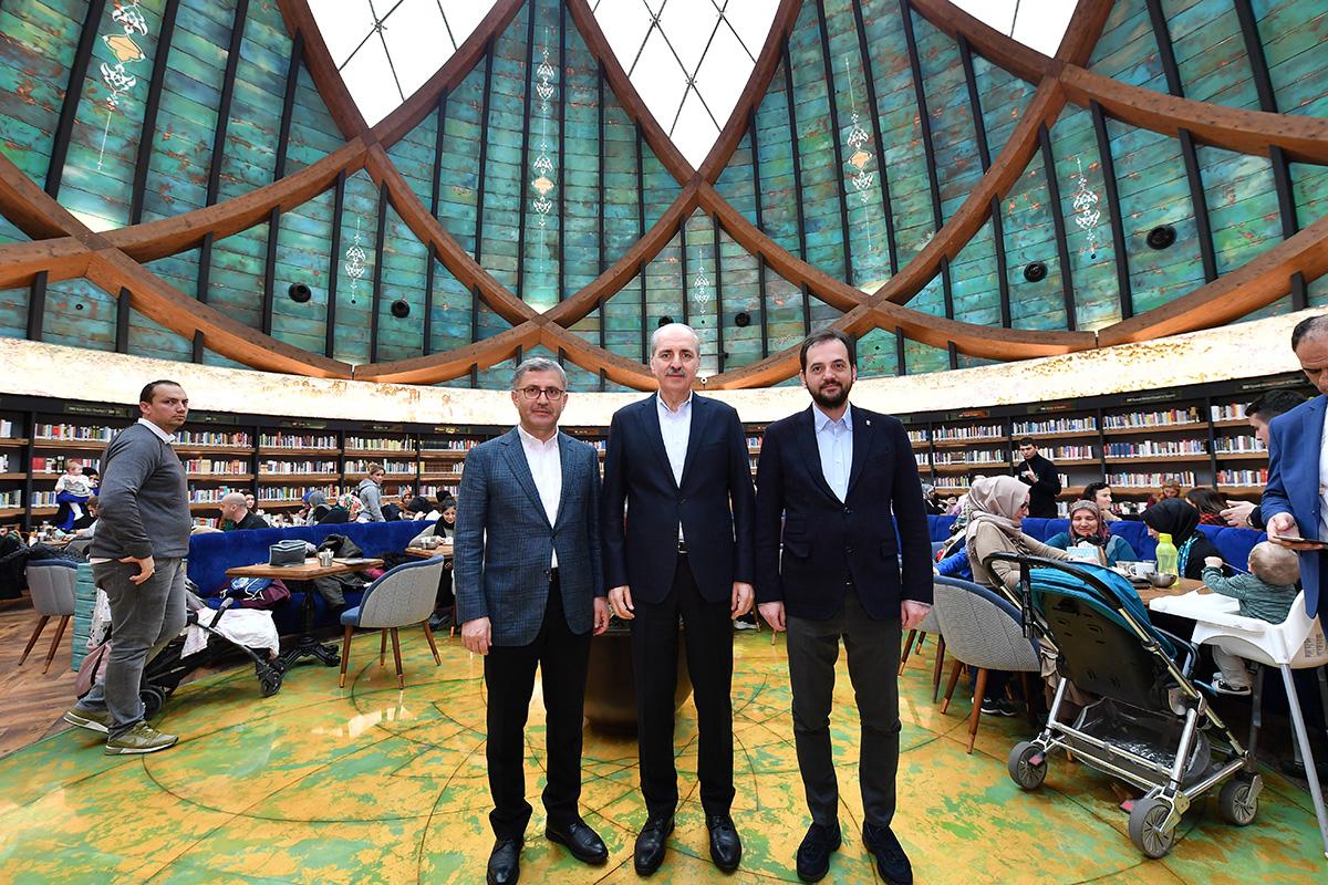 Genel Başkan vekili Kurtulmuş'a, Üsküdar Belediye Başkanı Hilmi Türkmen ve AK Parti Üsküdar İlçe Başkanı Adem Kaan Pehlivan'da eşlik etti.