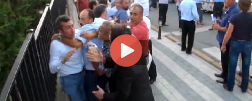Üsküdar'da partililer arasında yumruk yumruğa kavga... Tıkla İzle