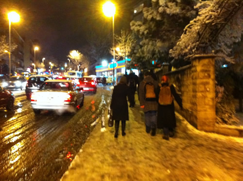 Akşam evlerine gitmek isteyen Üsküdarlılar yolda kaldı.