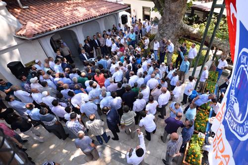 Üsküdar'da restorasyonu tamamlanan Çengelköy Hamdullah Paşa Camii düzenlenen törenle ibadete açıldı.