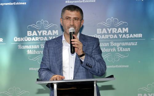 Üsküdar Belediyesi'nin geleneksel bayramlaşma merasimi Başkan Hilmi Türkmen ve çok sayıda kişinin katılımı ile Nikah Sarayı Kır Bahçesi'nde gerçekleştirildi.