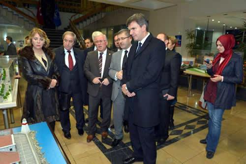 Heyete mihmandarlık yapan Üsküdar Belediye Başkan Yardımcısı Hilmi Türkmen, ziyaretten duyduğu memnuniyeti dile getirerek, Balkan ülkeleri ile tarihi, siyasi, kültürel ve ekonomik bağların olduğunu söyledi.