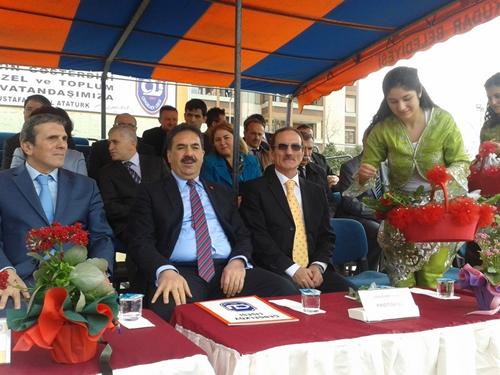 21 Mart Nevruz Bayramı Çengelköy Lisesi Bahçesinde büyük bir coşkuyla kutlandı.