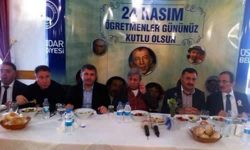 Türk sinemasının efsanevi filmi Hababam Sınıfı'nın hayattaki oyuncuları Üsküdar Belediye'sinin düzenlediği Öğretmenler günü etkinliğinde bir araya geldi.