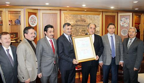 Türk Standartları Enstitüsü (TSE) tarafından Üsküdar Belediyesi'ne vatandaş memnuniyeti çalışmaları nedeniyle ISO 10002 Müşteri Memnuniyeti ve Şikâyet Yönetimi Belgesi verildi.