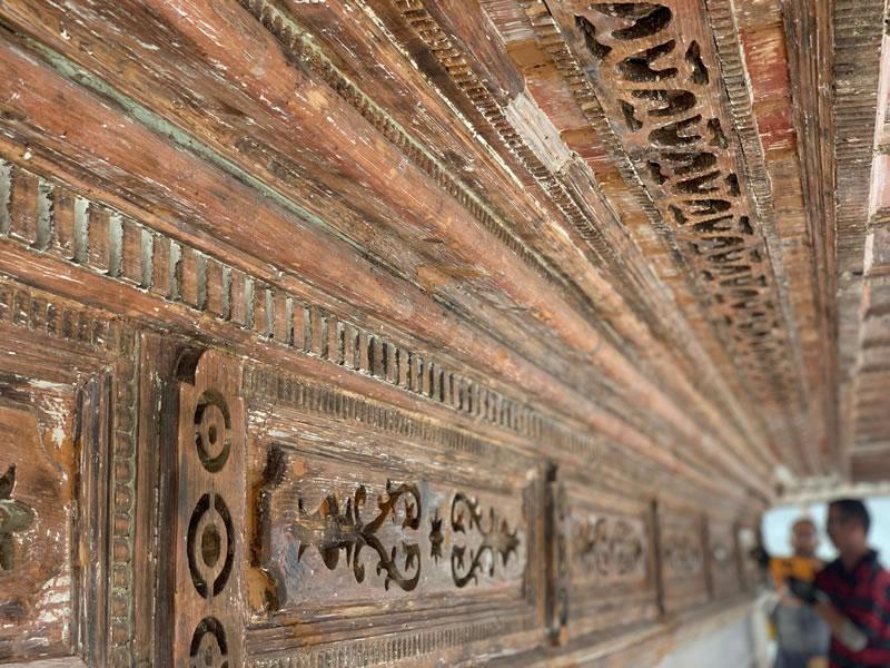 Üsküdar'daki 3. Ahmet Çeşmesi'nde restorasyon çalışmaları aralıksız olarak devam ediyor.