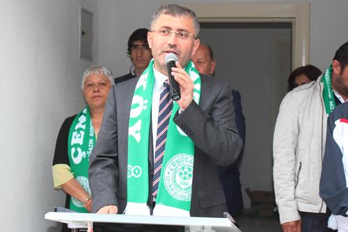 Üsküdar Belediye Başkanı Hilmi Türkmen Kuleli Mahallesi muhtarlığının açılış töreninde yaptığı konuşmada muhtarların kendileri için olmazsa olmazları olduğunu ifade etti