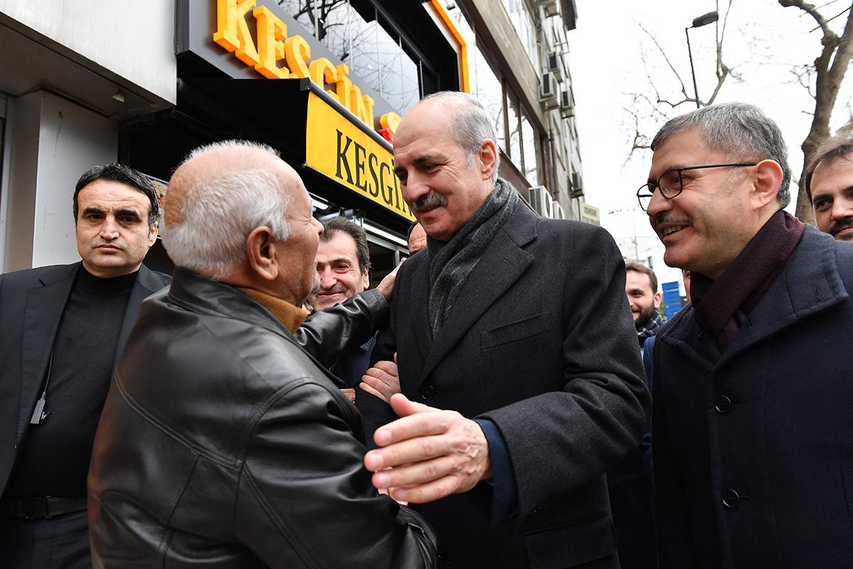 AK Parti Genel Başkan vekili Numan Kurtulmuş, Üsküdar'da vatandaşlarla bir araya geldi.