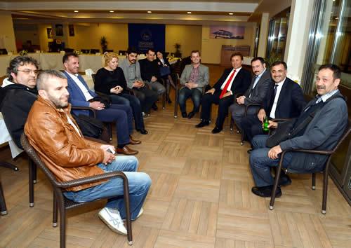Yerel basın temsilcileriyle özellikle ilgilenen Mustafa Kara, özel olarak görüştüğü yerel basın temsilcilerine 5 yıllık süreçte vermiş oldukları destekten ötürü teşekkür etti.
