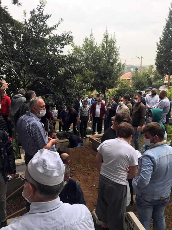 Üsküdar Belediye Meclis Üyesi Murat Yavuz Cengelköy Mezarlığına defnedildi