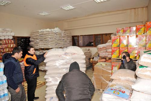 İstanbul AK Parti İl Başkanlığı öncülüğünde başlatılan ''Üşüyorum Yardım Edin'' kampanyasına; Üsküdar Belediyesi 3 TIR dolusu insani yardım malzemesi ile destek verdi.