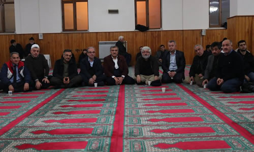 Mustafa Kara taziyeleri kabul etti