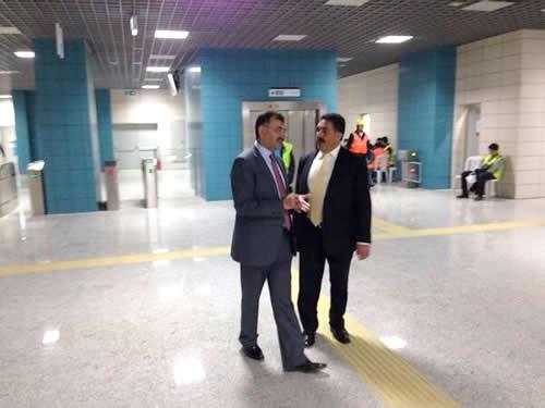 Üsküdar Kaymakamı Mustafa Güler ile Üsküdar Belediye Başkanı Mustafa Kara'nın da eşlik ettiği heyet, daha sonra Japon heyetin de katılımıyla Marmaray'da son teftişleri yaptı