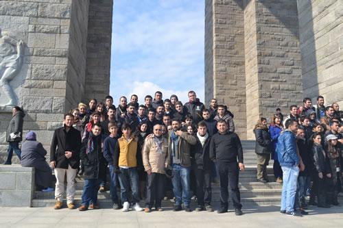 18 Mart Çanakkale Deniz Zaferi CHP Üsküdar Gençlik Kolları tarafından kutlandı. Gençlik kolları olarak Çanakkale'ye gezi düzenlendi.