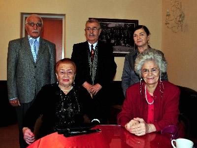 Türkiye'nin ilk ve tek, sadece öğretmenlere hizmet veren Validebağ Mustafa Necatibey Öğretmenler Huzurevi'nde kalan yaşlılar, hayatlarının son demlerini yaşarken, 24 Kasım Öğretmenler Gününü heyecanla bekliyor.