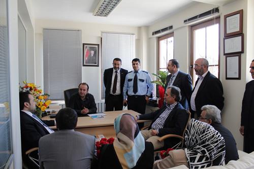 AK Parti Çengelköy Mahallesi Teşkilatı Polis Teşkilatı'nın 168. kuruluş yıl dönümünü Çengelköy Polis Merkezi'ni ziyaret ederek kutladı.