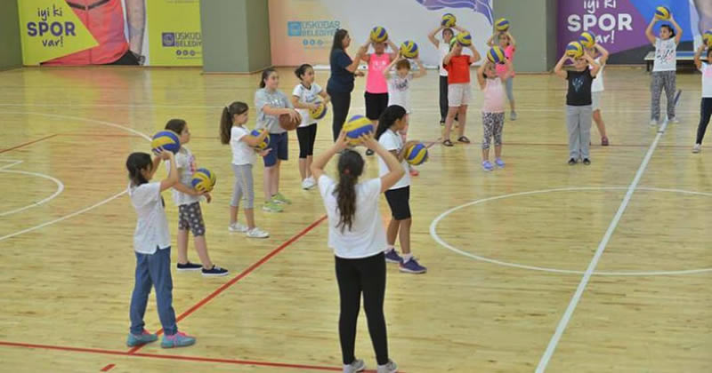 Üsküdar Belediyesi ilçedeki gençlere yönelik çalışmalarına hız kesmeden devam ediyor.