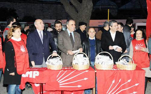 CHP Üsküdar'da simit dağıttı, Yurttaşların Yeni Yılını Kutladı!