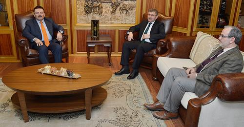 İstanbul İl Emniyet Müdürü Selami Altınok, Üsküdar Belediyesi'ne nezaket ziyaretinde bulundu.