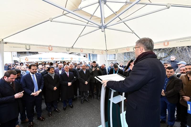 Üsküdar Belediyesi tarafından Yavuztürk Mahallesi'nde yapımı tamamlanan 112 Acil Servisi'nin açılışı gerçekleştirildi.