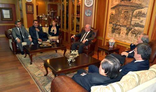 Misafirler, görüşme sonrası Türkmen ile birlikte Üsküdar meydan, Marmaray ve Kızkulesi'ni ziyaret ettiler.