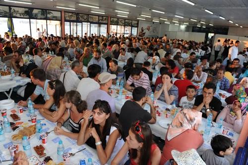 Üsküdar Belediyesi bu Ramazan ayında da Üsküdarlılara dopdolu bir Ramazan vaat ediyor.