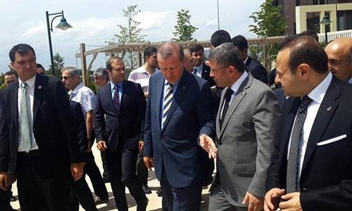 Başbakan Recep Tayyip Erdoğan, cuma namazını Üsküdar'da kıldı.