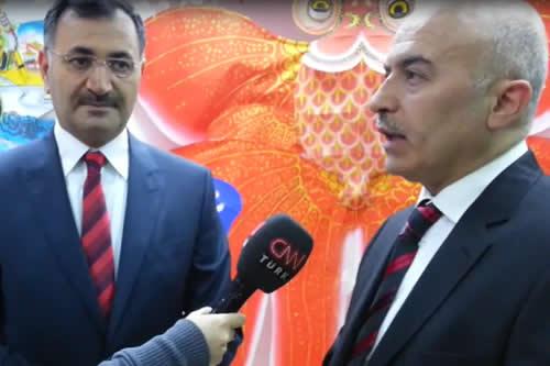 Türkiye'de bir ilk olan Üsküdar Belediyesi Mehmet Naci Aköz Uçurtma Müzesi açıldı. Açılış sonrasında AB Bakanı Egemen Bağış da müzeyi ziyaret etti.