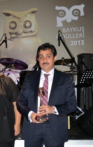 Üsküdar Belediyesi, Sosyal Baykuş Kategorisinde ''Konteyner Analizi Projesiyle'' ödüle layık görüldü. Ödülü Başkan Yardımcısı Hasan Ekmen aldı