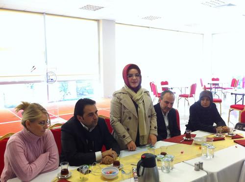 AK Parti İstanbul Halkla İlişkiler Birimi kahvaltılı sabah toplantısı, Üsküdar Belediyesi Gençlik Merkezi toplantı salonunda 39 ilçe'nin Halkla ilişkiler birim başkanı'nın katılımı ile gerçekleştirildi.