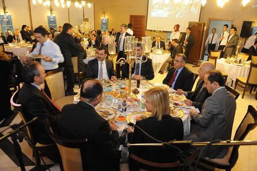 AK Parti İl Genel Meclis Üyeleri Üsküdar'da düzenlenen akşam yemeğinde bir araya geldi