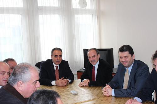 AK Parti 10 Milyon İmza Kampanyası'na destek istedi