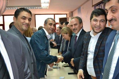 AK Parti Üsküdar İlçe Teşkilatı ilçe binasında düzenlenen bayramlaşma programında bir araya geldi.