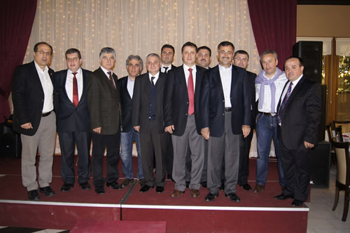 Merkezi Üsküdar'da bulunan Akçaabatlılar Derneği, Üsküdar Belediyesi Sosyal Tesisleri'nde üyeleriyle bir kahvaltılı buluşma organizasyonu düzenledi.