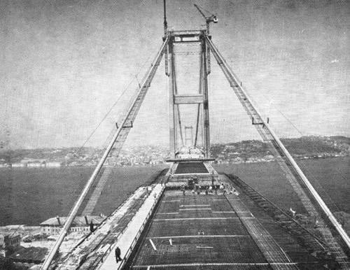 Boğaziçi Köprüsü'nün temeli 42 yıl önce bugün atıldı