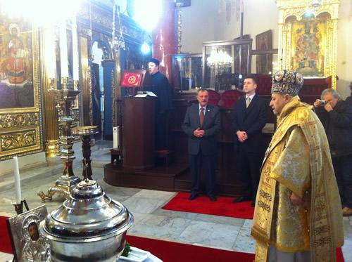 Hristiyan inancına göre Hazreti İsa'nın doğumu ve vaftiz edilişinin yıl dönümü, Çengelköy'de bulunan Rum Ortodoks Aya Yorgi Kilisesi'nde kutlandı.