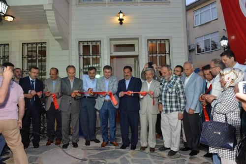 Üsküdar Belediyesi ve İl Özel İdaresi tarafından yeniden restorasyonu yapılıp hizmete kazandırılan tarihi Fatma Adeviye Tekkesi hizmete açıldı