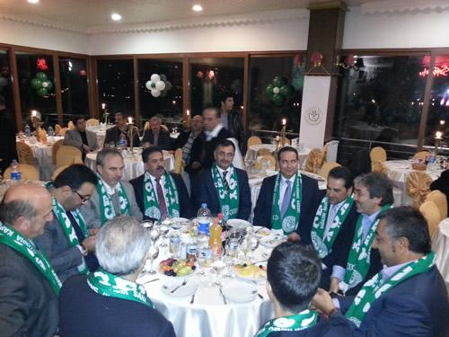 Çengelköyspor Kulübü Çamlıca Sefa Restaurant'da motivasyon gecesi düzenledi. Geceye çok sayıda davetli katıldı. Kulübün onursal başkanı Ömer Seyfi Aktülün, Yavuz Canikli, Yusuf Şimşek ve Üsküdar Belediye Başkanı Mustafa Kara başta olmak üzere gecede kulübe destek sözü verildi.