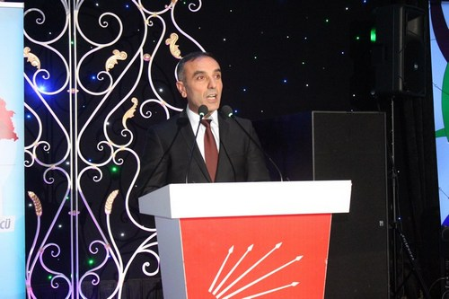 CHP Üsküdar İlçe Başkanlığı'nın düzenlemiş olduğu protokol yemeği Çengelköy Sophia'da 250 civarında protokol davetlisi iş adamı ve çok sayıda milletvekili aday adayının katılımı ile gerçekleştirildi.