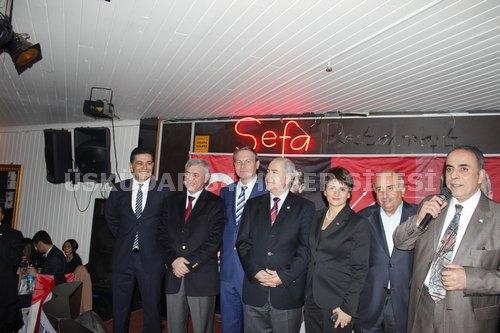 CHP Üsküdar İlçe Örgütü tarafından organize edilen dayanışma gecesi Çamlıca Sefa Restaurant'ta gerçekleştirildi.