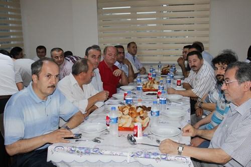 Cide Beltepe Köyü Derneği düzenlemiş olduğu ramazan iftar programında dernek üyelerini bir araya getirdi.