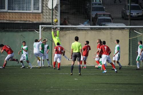 �sk�dar Belediyesi taraf�ndan organize edilen ve 2. Amat�r K�mede m�cadele eden 9 tak�m�n kat�l�m�yla d�zenlenen Bahar Kupas� Turnuvas� Selimiye Stad�nda 22 Ocak Cumartesi g�n� ba�lad�.