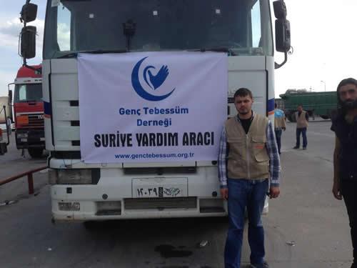 Genç Tebessüm Derneği, ''Suriye İçin Bir Umut Bin Tebessüm'' adlı yardım gecesinden elde edilen gelir ile temin edilen yardım malzemelerini 1 tır ve 1 kamyonetten oluşan konvoyla Suriye'ye ulaştırdı