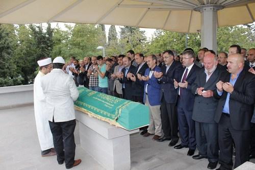 Hüseyin Çadır son yolculuğuna Üsküdar Şakirin Camii'nden uğurlandı