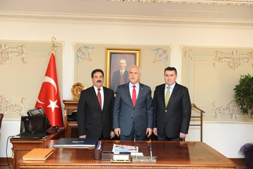 İstanbul Valisi Hüseyin Avni Mutlu 08 Ekim 2012 Perşembe günü Üsküdar'da bir dizi ziyaret gerçekleştirdi.