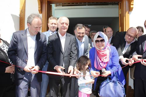 Geçtiğimiz 4 yıl içerisinde Üsküdar'da birçok yatırıma imza atan Üsküdar Belediyesi, 2013 yılında da yatırımlara tüm hızıyla devam ediyor.