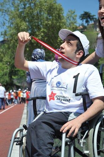 9. �zel Sporcular Atletizm Yar��malar� ba�lad�