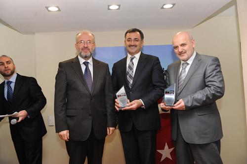 Küçüksu Hoca Mahmut Bayram Camii Kültür Merkezi düzenlenen törenle hizmete açıldı.