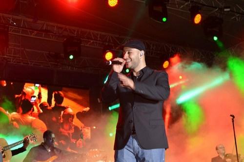 Arap Sanatçı Maher Zain Üsküdar'da düzenlenen ramazan etkinliklerinde hayranlarıyla buluştu